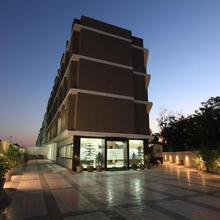 Hotel Galaxy Inn Ahmedabad in Gandhinagar