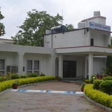 Hotel Ganesha Garden Villa in Rajanagar