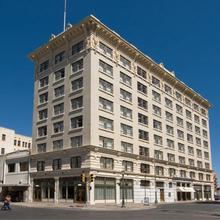 Hotel Gibbs Downtown Riverwalk in San Antonio