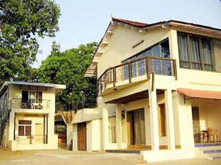 Hotel Girija in Pune