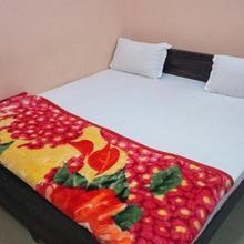 Hotel Girja Inn in Kanpur