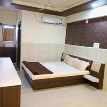 Hotel Gokul in Ahmedabad