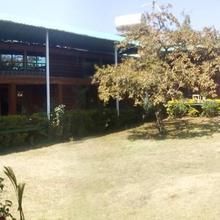 Hotel Gourish in Wai