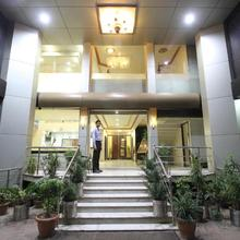 Hotel Grand Arjun in Raipur