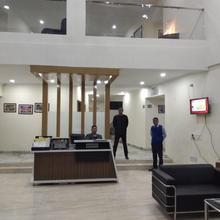 Hotel Grand Chinaar in Washim