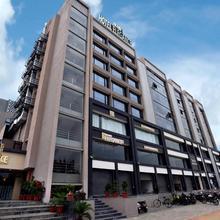 Hotel Grand Elegance in Sanand