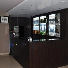 Hotel Grand Plaza in Walajabad