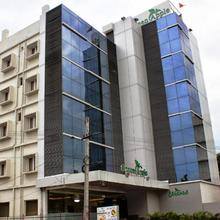 Hotel Green Apple in Vishakhapatnam