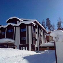 Hotel Gulmarg Inn in Kunzer