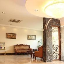 Hotel Gurukrupa in Mahiravani