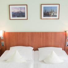Hotel Hanseport Hamburg in Sottorf