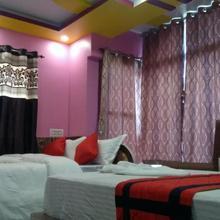 Hotel Happy in Barakpur