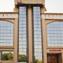 Hotel Harbans Residency in Hussainpur