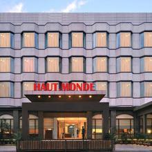 Hotel Haut Monde in Gurugram