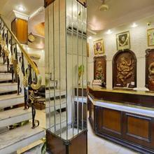 Hotel Heera in Alipore