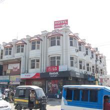 Hotel Heritage in Raiwala