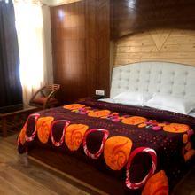 Hotel Himalayan Stay in Manali