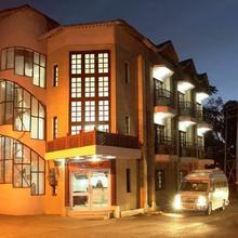 Hotel Himgiri in Khajjiar