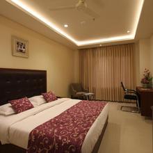Hotel Hyderabad Grand in Hyderabad