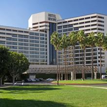 Hotel Irvine in Santa Ana