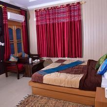 Hotel Ishant in Vijay Pur