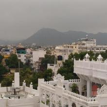 Hotel Ishwar Palace in Udaipur