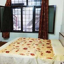 Hotel J P Palace in Salempur