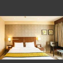 Hotel Jain Palace in Isgaon