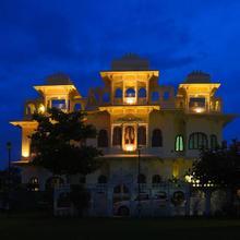 Hotel Jaisingh Garh in Bedla