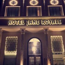 Hotel Jane Royale in Goraya