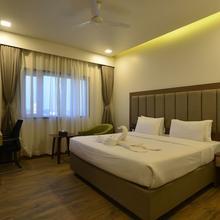 Hotel Jhankar Palace in Dhule
