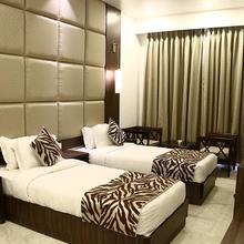 Hotel J.k. Residency in Mustafabad