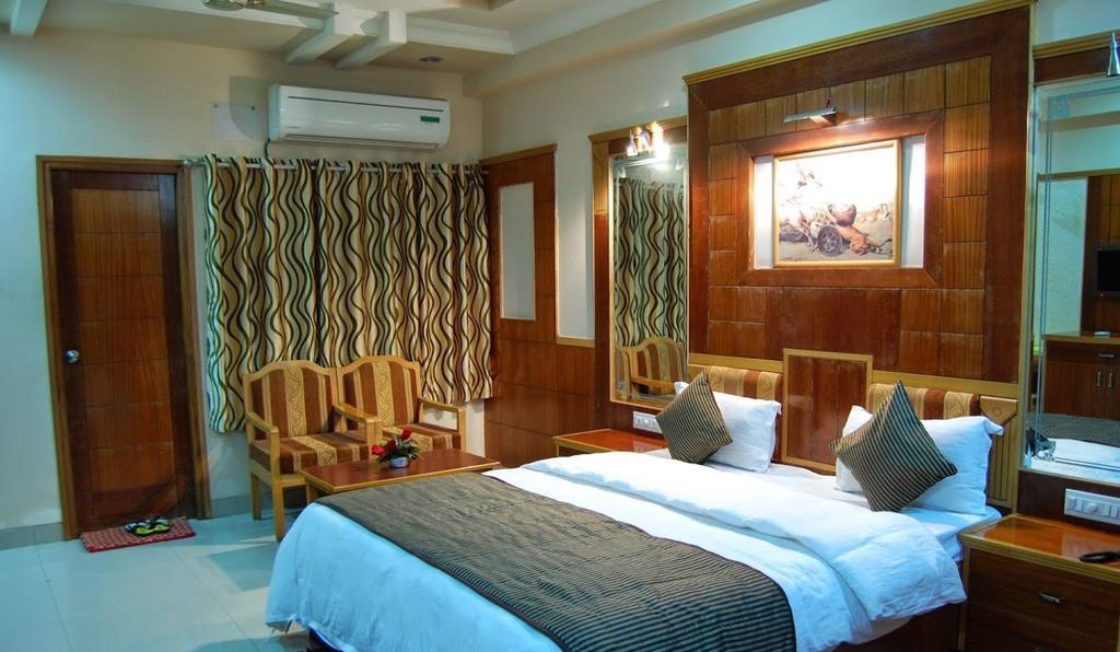 Hotel Kalinga Palace in Barmer