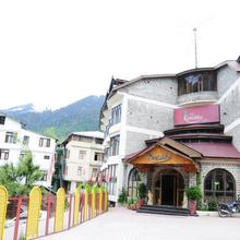 Hotel Kanishka in Manali
