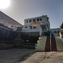 Hotel Karnavati in Mount Abu