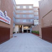 Hotel Kavery in Khorana