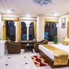 Hotel Kingfisher Udaipur in Bedla