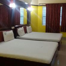 Hotel Kings Inn 45 Minutes From Rameshwaram in Valantaravai