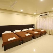 Hotel Kohinoor Square in Kolhapur