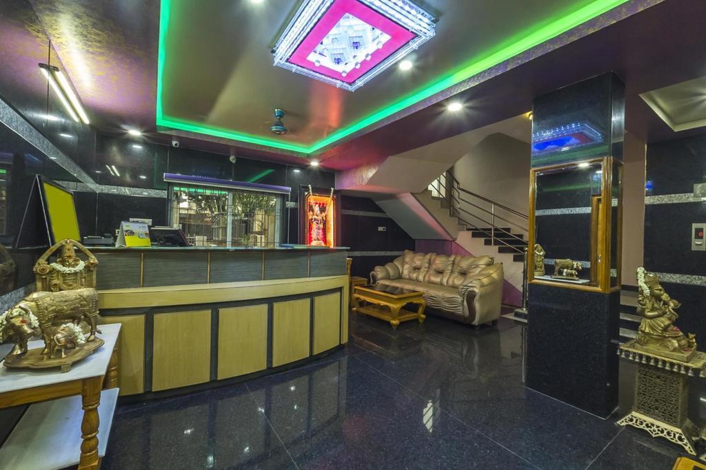 Hotel Kola Grand in Tirupati