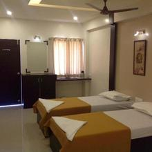 Hotel Krushna Inn in Mahiravani