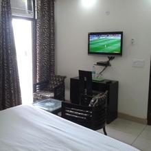 Hotel Kundan Palace in Faridabad