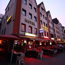 Hotel Kunibert Der Fiese - Superior in Cologne