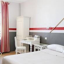 Hotel La Villa Marine in Hautebut