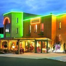 Hotel L'Abri in Le Pertuis