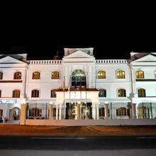 Hotel Lalith Mahal in Hampi
