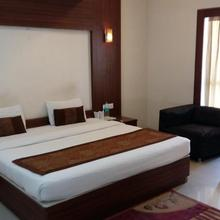 Hotel Le Castle in Kichha