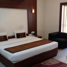 Hotel Le Castle in Rudrapur