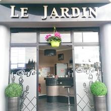 Hotel Le Jardin in Douvrin