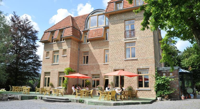 Hotel Les Tilleuls in Dochamps